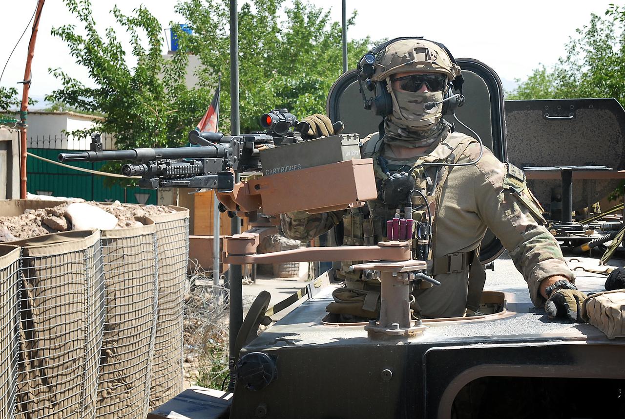 Australia's Special Operations Task Group mentors Provincial Response Company - Uruzgan