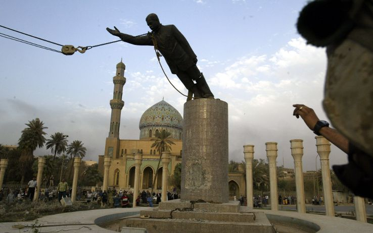 saddam_ap_saddam_caduta_statua