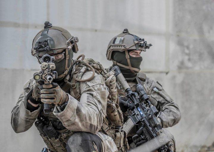 Rear-Adm.-Laurent-Isnard-1er-Regiment-de-Parachutistes-dInfanterie-de-Marine