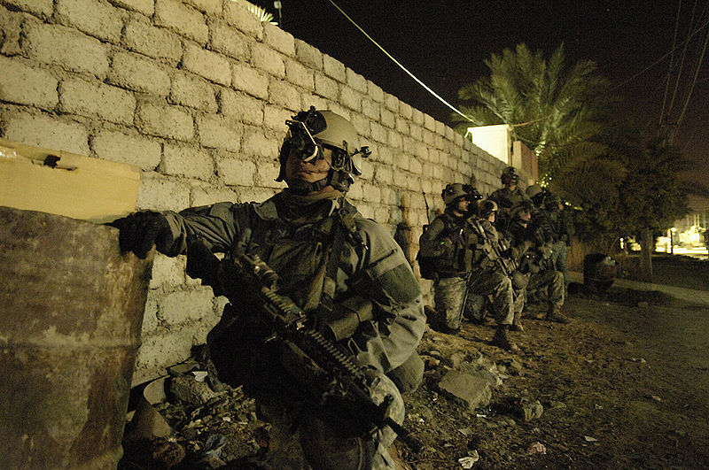800px-75th_Ranger_Regiment_conducing_operations_in_Iraq,_26_April_2007
